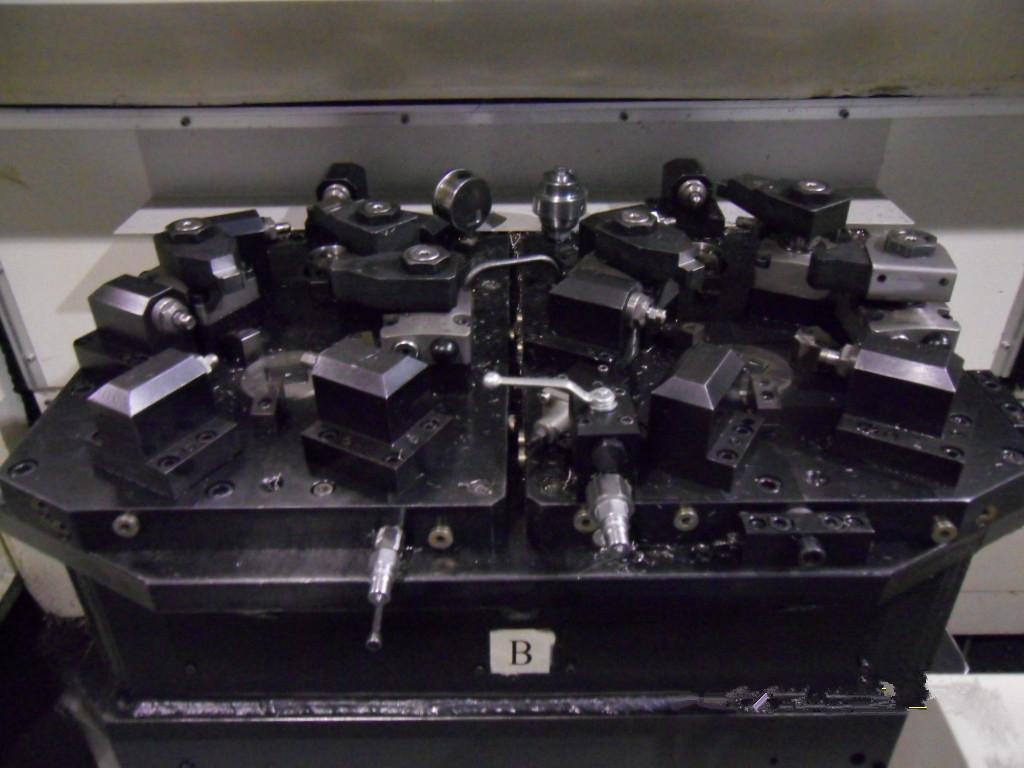 双主轴保压液压夹具